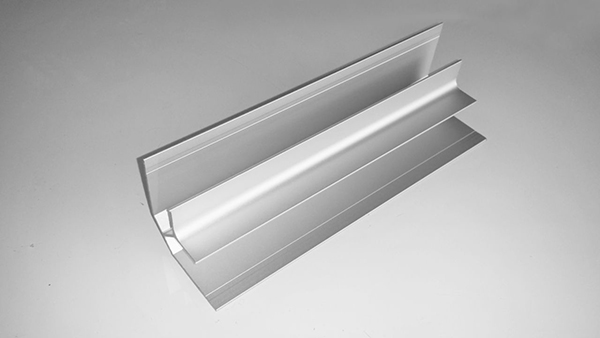 AL13 MC309 FIC Inside Corner, Trim Silver
